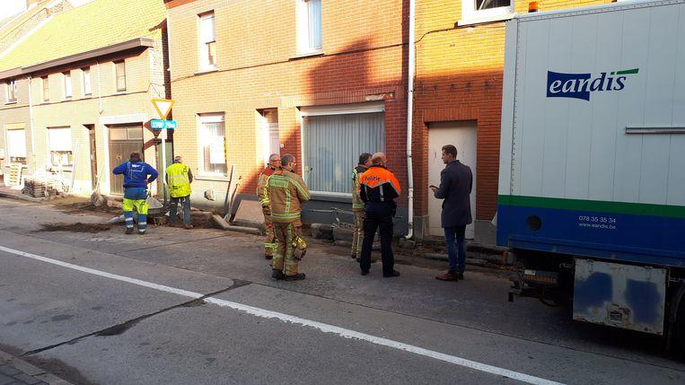 De brandweer kwam ter plaatse om metingen te doen.