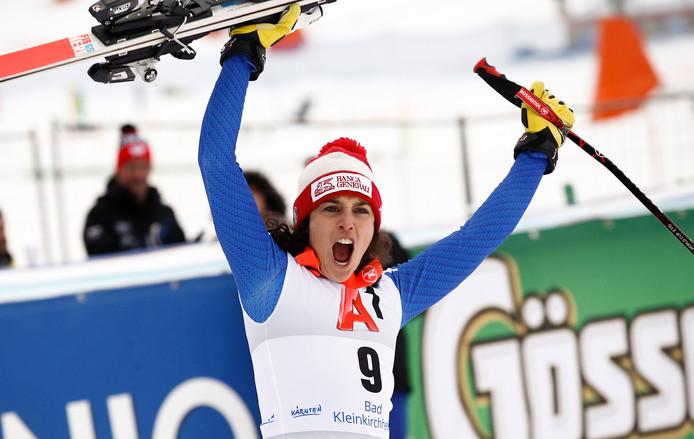 Federica Brignone viert haar overwinning.