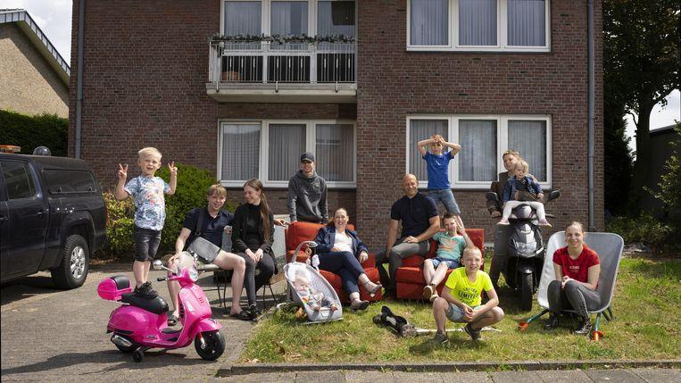 De familie Buddenbruck in Een huis vol in quarantaine. Beeld Stijn Ghijsen