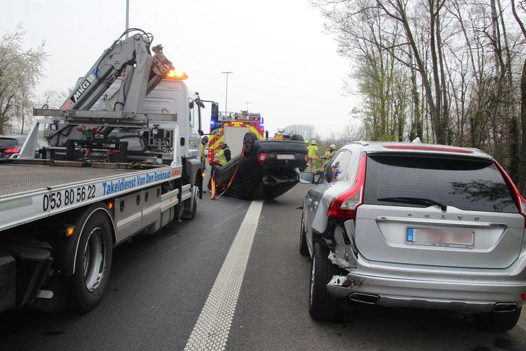 De chauffeur reed eerst een Volvo aan die op de rijstrook naast hem reed.
