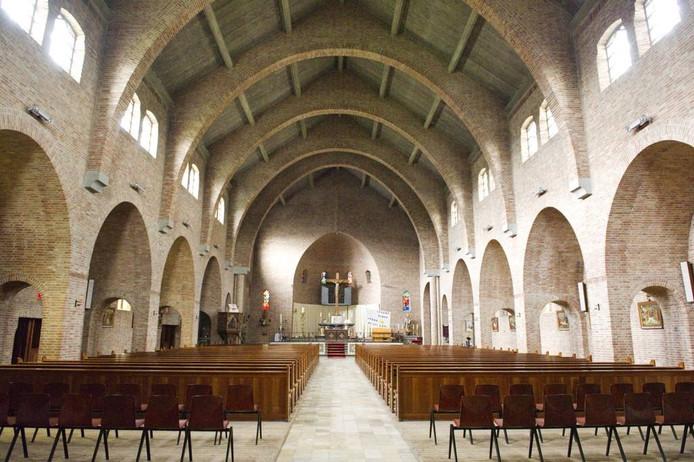 Interieur van kerk Deest.