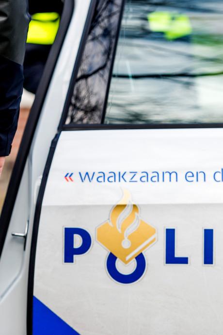 Politie deelt beelden van groep inbrekers bij opslagloods in Zwolle