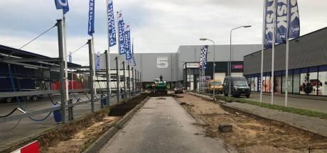 Weg aan de nieuwe Loods5 in Duiven wordt verbreed en krijgt verkeersregelaar ter voorbereiding van de opening