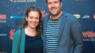'Thuis'-acteur Raf Jansen stelt vriendin voor op première 'Sinterklaas en de Wakkere Nachten'