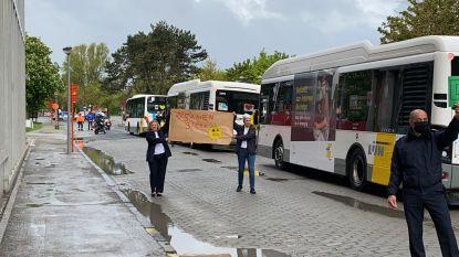 Buschauffeurs De Lijn bedanken zorgsector en veiligheidsdiensten met hartverwarmende optocht