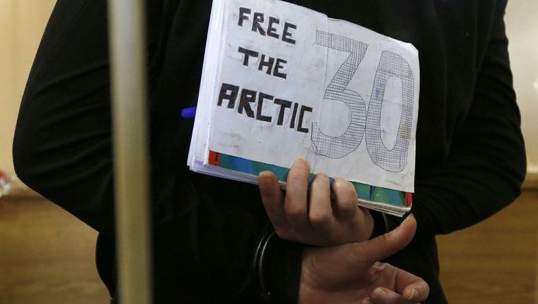 De Braziliaanse Greenpeace-activiste Ana Paula Alminhana Maciel vandaag in de rechtbank. Beeld reuters