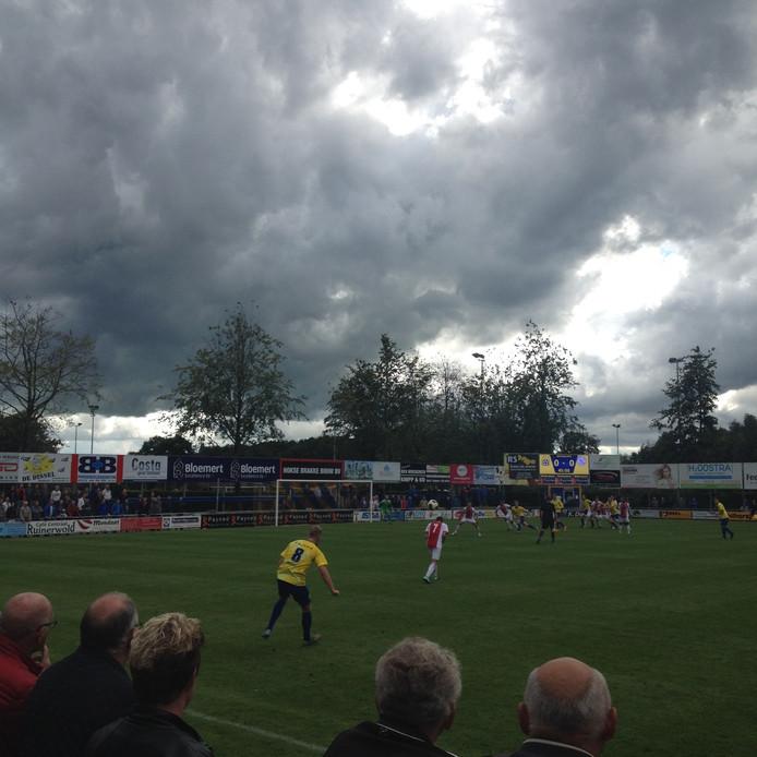 Staphorst stormde in de tweede helft naar voren, maar vergeefs.