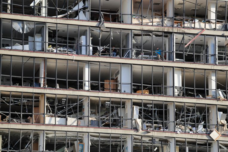 De schade na de explosie is enorm.