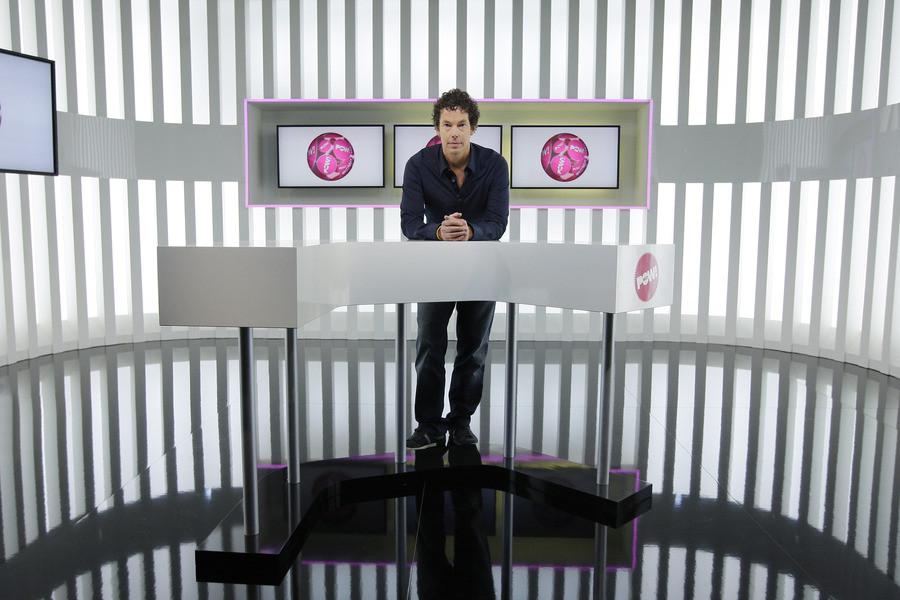 PowNews-presentator Dominique Weesie.