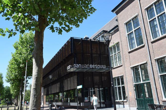 Cultureel centrum Jan van Besouw.