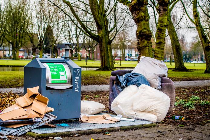 Niet iedereen biedt afval op een juiste manier aan.  foto ANP
