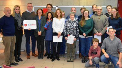 22 cursisten 'Eerste Hulp en Helper' krijgen brevet