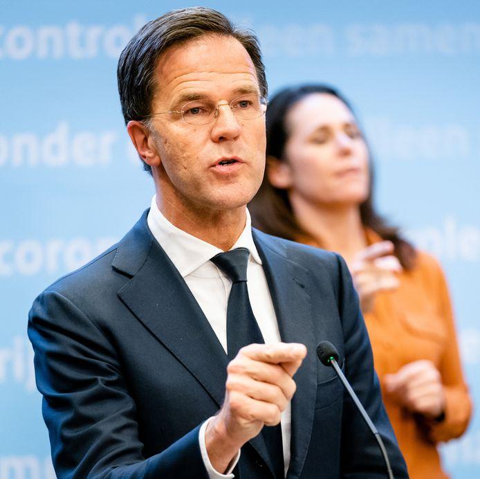 Premier Mark Rutte tijdens de persconferentie na afloop van het overleg van het crisisteam van het kabinet over de coronacrisis.