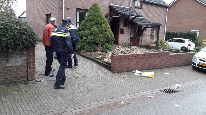 Weer is er afval gedumpt voor de woning van Peter en Marietje Janssen in Groesbeek.