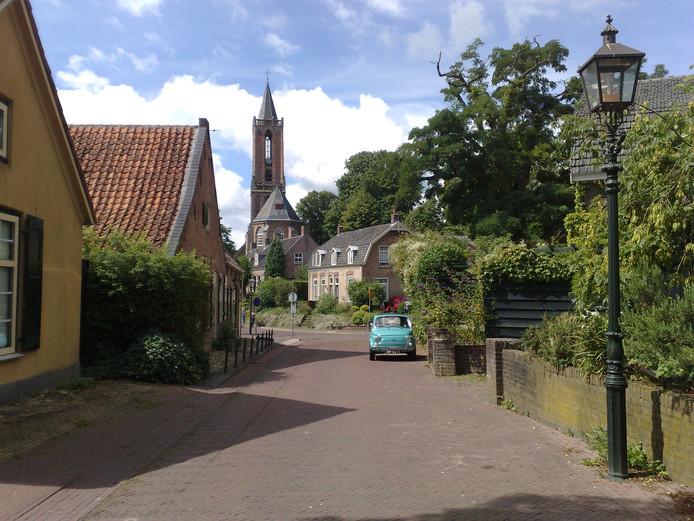 De Amerongse Andrieskerk gezien vanaf de Zandvoort.