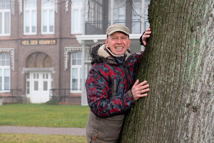 TT-2020-000372 - OLDENZAAL - Chris Elfrink was 39 jaar tuinman van het MST, waarvan 10 jaar in Oldenzaal. Donderdag neemt hij afscheid in het ziekenhuis van zijn collega's. EDITIE: OLDENZAAL FOTO: Lars Smook LS20200122