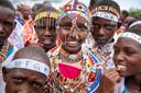 De Masai-meisjes volgen nu een alternatief overgangsritueel tot vrouw, met zang en dans maar zónder snijden.