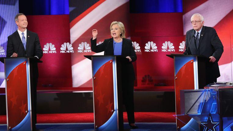 Martin OMalley (links), Hillary Clinton en Bernie Sanders. Beeld getty