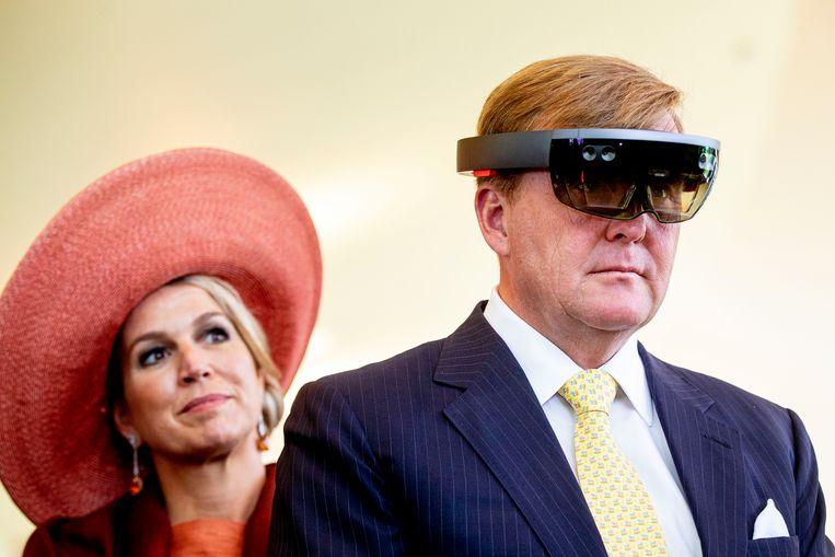 Koning Willem-Alexander en koningin Maxima bij een bijeenkomst in de Botanical Gardens, tijdens de tweede dag van hun bezoek aan Ierland.  Beeld ANP