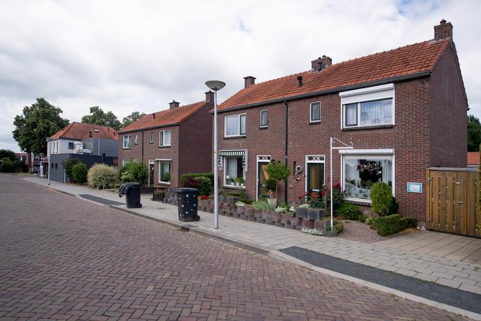 Vier woningen aan de Glindestraat moeten worden gesloopt.
