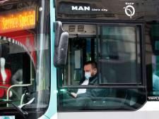 Un chauffeur de bus entre la vie et la mort en France après avoir été tabassé pour avoir refusé des usagers sans titre de transport ni masque