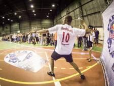 Ster in papieren vliegtuigjes vouwen? Strijd in Enschede voor plek op WK