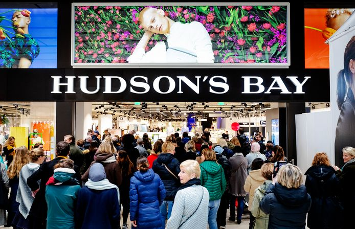 De opening van Hudson's Bay in Utrecht.