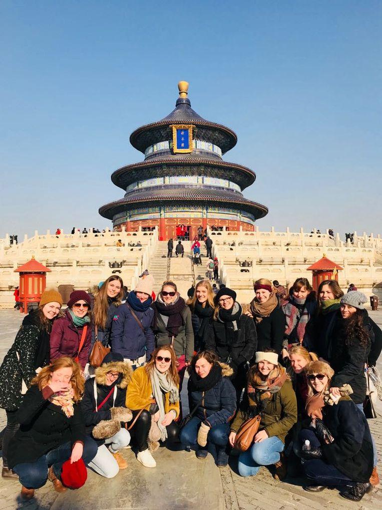 Tussen de optredens door staan er bezoeken aan tempels en musea gepland.