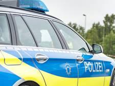 Wielrenner lichtgewond bij aanrijding, schade loopt op tot 15.000 euro