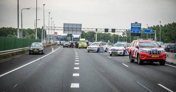 A12 even afgesloten door ongeluk bij Duiven.
