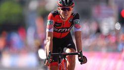 Herbeleef hoe Van Garderen de pittige Giro-rit naar zijn hand zette