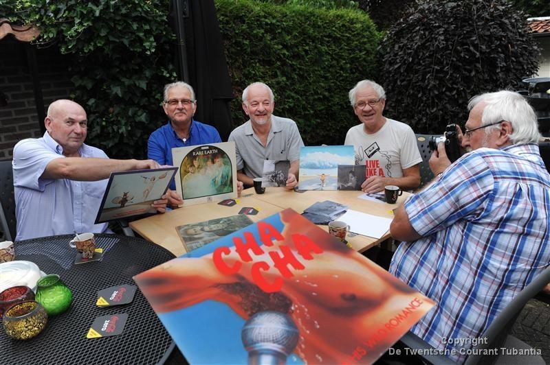 Het bestuur van Poparchief Twente met Willem Schreurs, Bennie van der Meer, Jannie Talman, Henk van de Wetering en Herman Mulstege