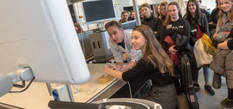 Hightech zoeken naar een rietje in de tofu op de High Tech Campus