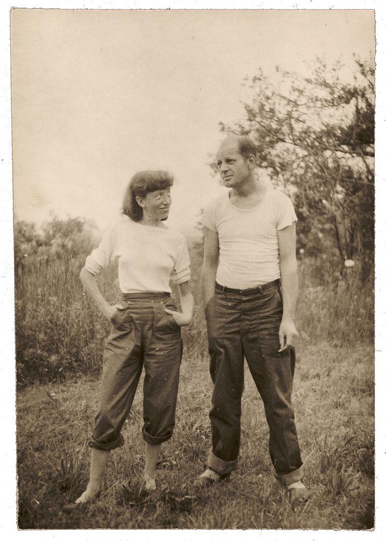 Lee Krasner aenJackson Pollock, Springs, 1946. Beeld Ronald Stein