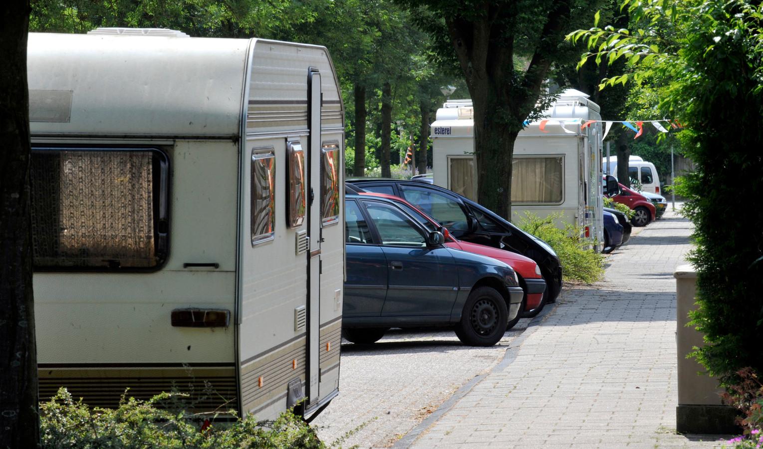 Dit parkeergedrag aan de openbare weg mag, als het maar niet langer duurt dan drie dagen.