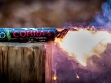 Politie neemt 3000 kilo illegaal vuurwerk in beslag van Hellevoeter (26)