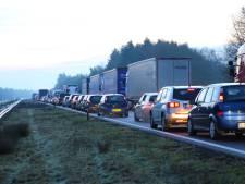 Ongeluk met twee auto's veroorzaakt file op A58 bij Best