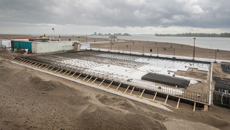 Blijburg in aanbouw: 'Straks hebben we het mooiste uitzicht op Pampus, het Markermeer en Flevoland.' Beeld Rowin Ubbink