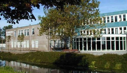 Het Don Bosco College in Volendam.