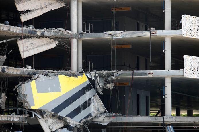 De deels ingestorte parkeergarage op Eindhoven Airport in 2017.