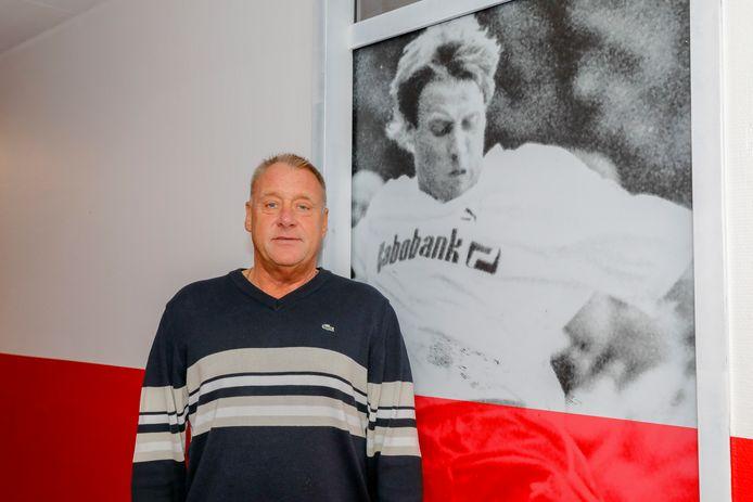 Kees Spaan is weg bij Kozakken Boys, waar een portret van hem als speler hangt.