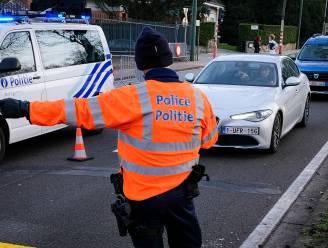 Twee rijbewijzen ingetrokken bij alcoholcontrole, zestien boetes voor schending avondklok