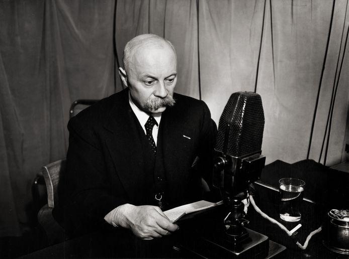 Minister-president Pieter S. Gerbrandy (1885-1961) in een radio-toespraak vanuit Londen op 23 september 1941