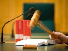 Eis: 2 jaar cel en tbs voor Ricardo uit Deventer voor aanval met mes op ex-vriendin