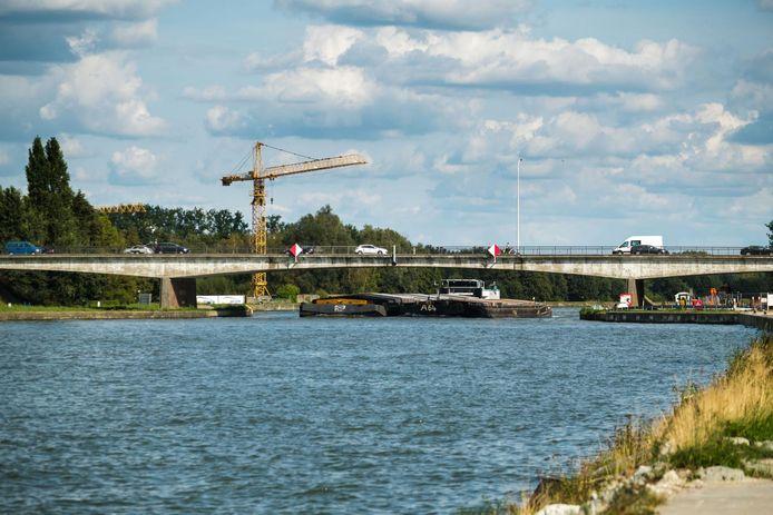 De bedrijven rond het Albertkanaal krijgen een betere ontsluiting.