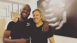 Romelu Lukaku klaargestoomd in Antwerpen, nu terug naar Manchester voor extra onderzoeken