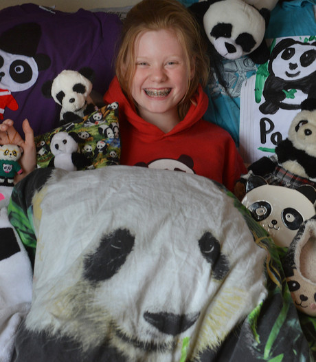 Pandafans staan te trappelen