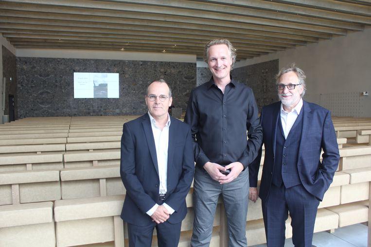 Vincent Panhuysen en Walter Hoogerwerf van KAAN Architecten en Kris Coenegrachts van intercommunale Westlede.