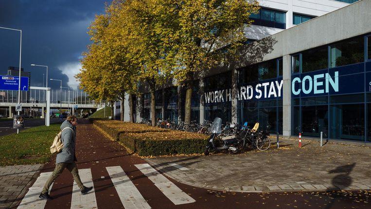 Het Coengebouw in Amsterdam-Westpoort, vernoemd naar Jan Pieterszoon Coen Beeld Marc Driessen