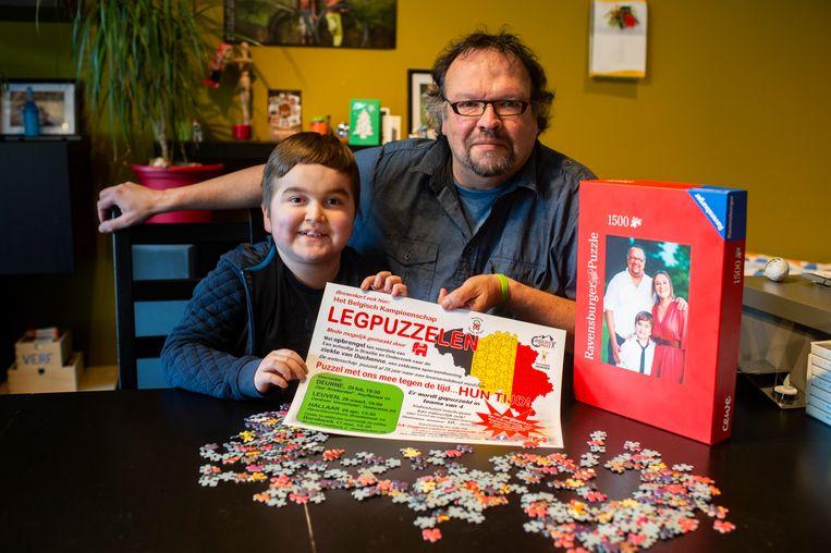 Bert Wollaert en zijn zoon Pelle. De jongen heeft de ziekte van Duchenne.